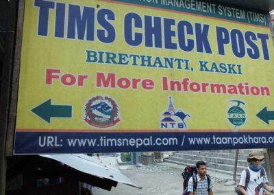 Birethanti check post all'inizio del trekking