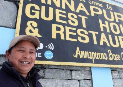 Jagat Ras Gurung e il suo lodge