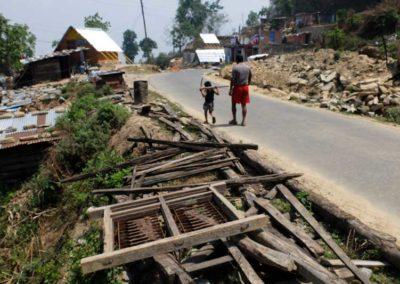 Gorkha, case crollate e casette di emergenza