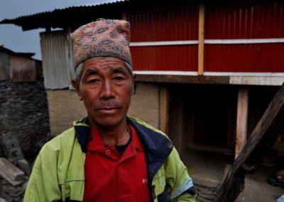 Barpak, Damiram Gurung che ha perso la figlia nel terremoto